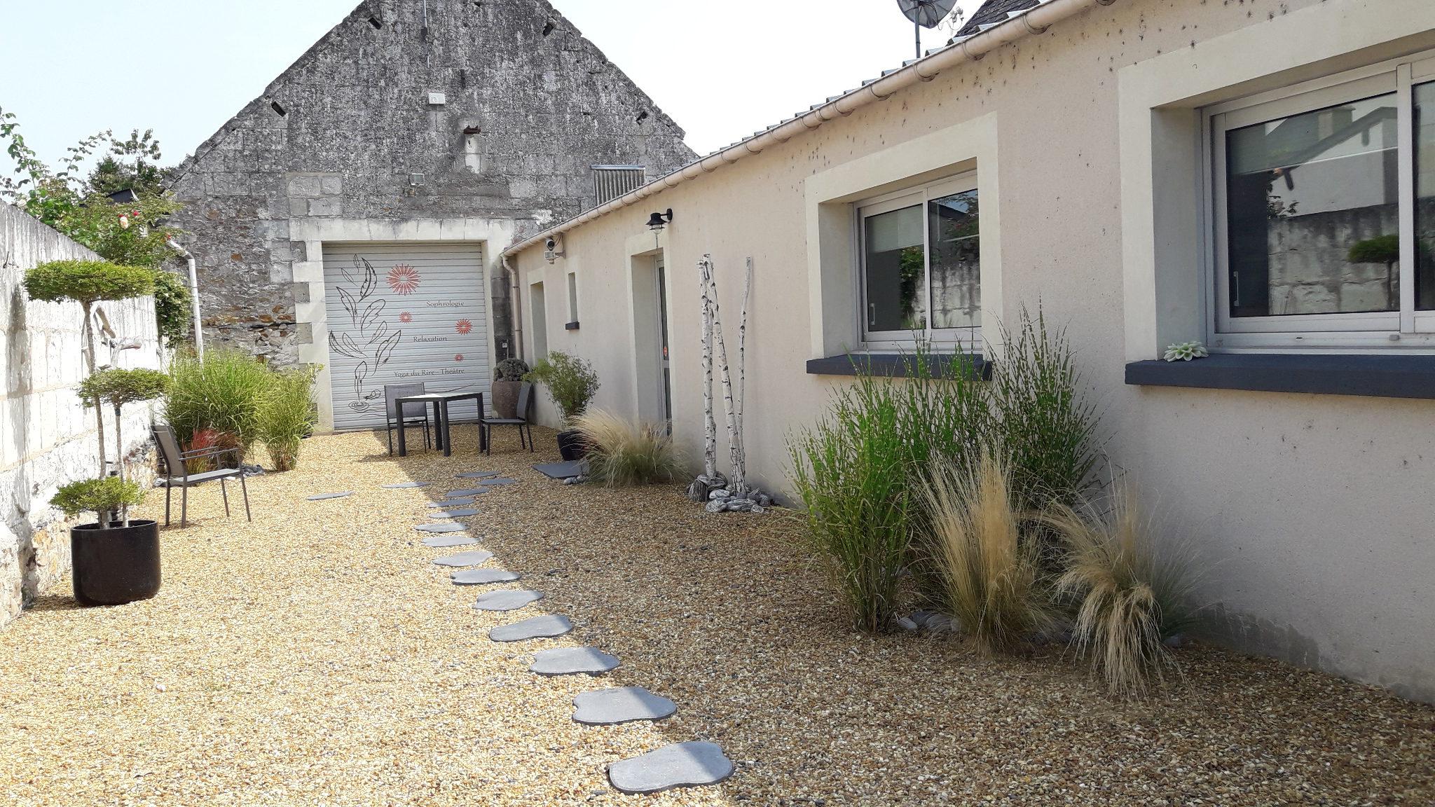 jardin zen sophrologie, relaxation, yoga du rire, theatre